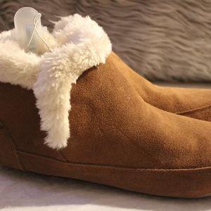Taryn genuine suede Bootie slippers